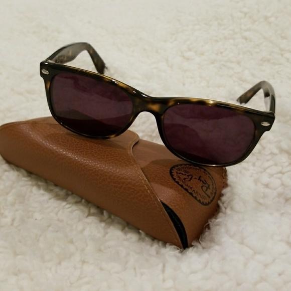 918e44a24c Ray-Ban New Wayfarer Prescription Sunglasses. M 5a72aba1331627fabbc78b31